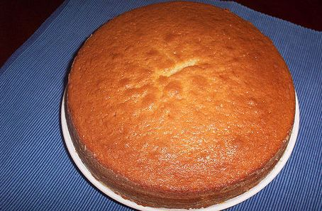 Spanish yogurt sponge cake
